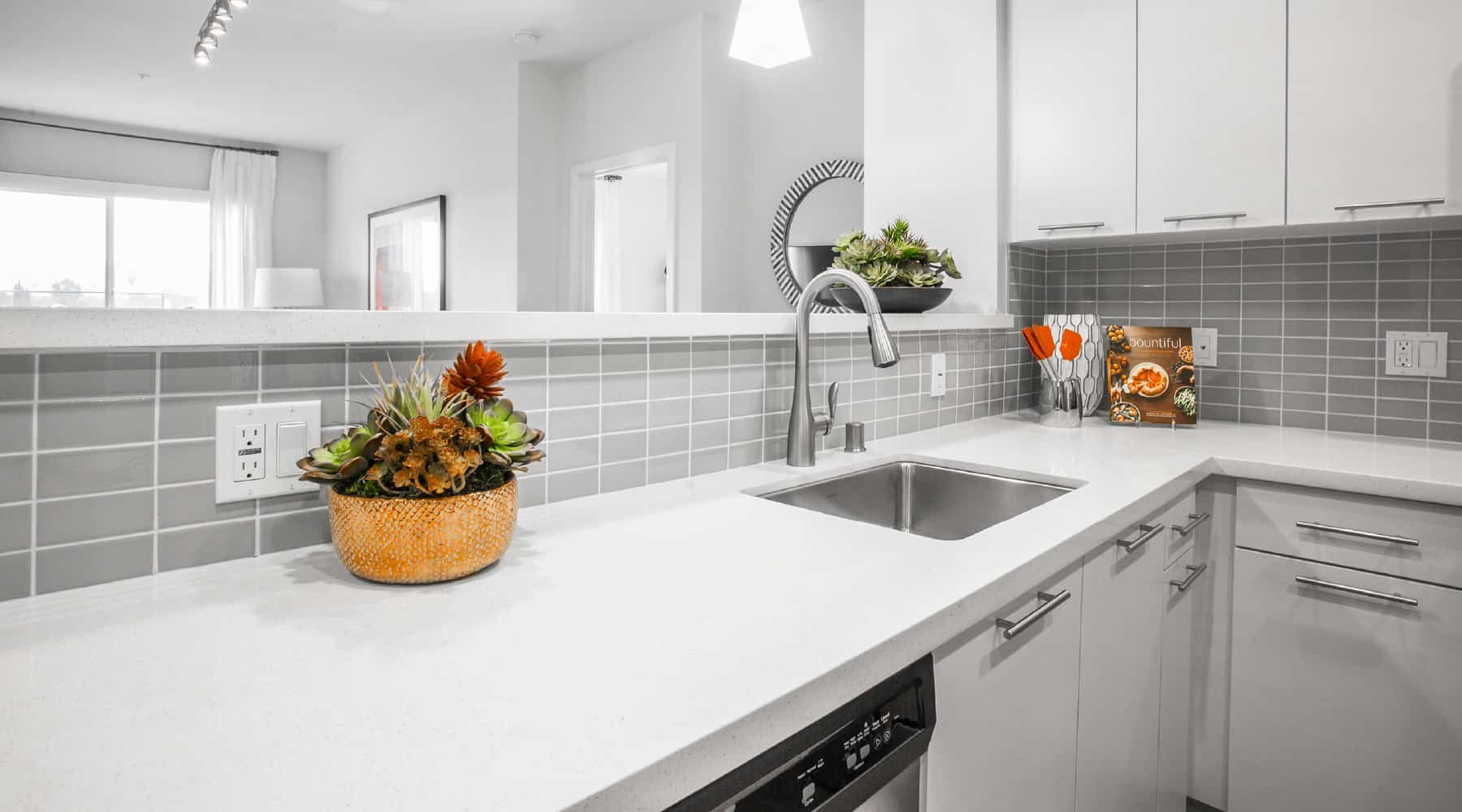 The Colony at The Lakes-Modern Kitchens